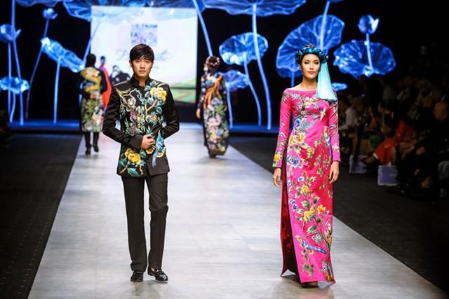 Tuần lễ thời trang quốc tế Việt Nam: Thổi hồn dân tộc vào thời trang cao cấp - Ảnh 2.