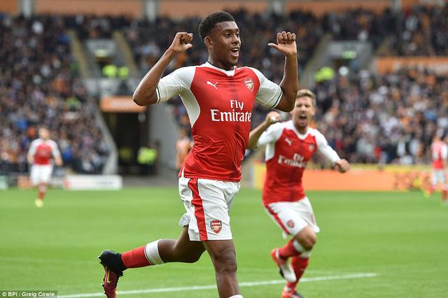 Sanchez lập cú đúp, Arsenal thắng dễ Hull City - Ảnh 1.