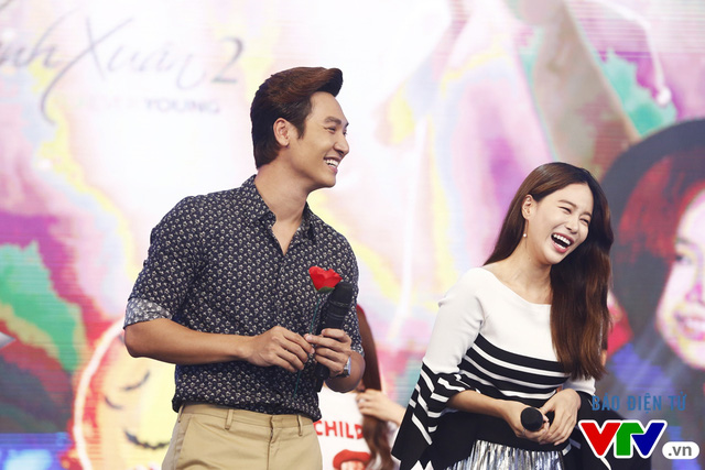Fan bất ngờ khi Mạnh Trường, Kang Tae Oh quỳ gối tỏ tình - Ảnh 6.