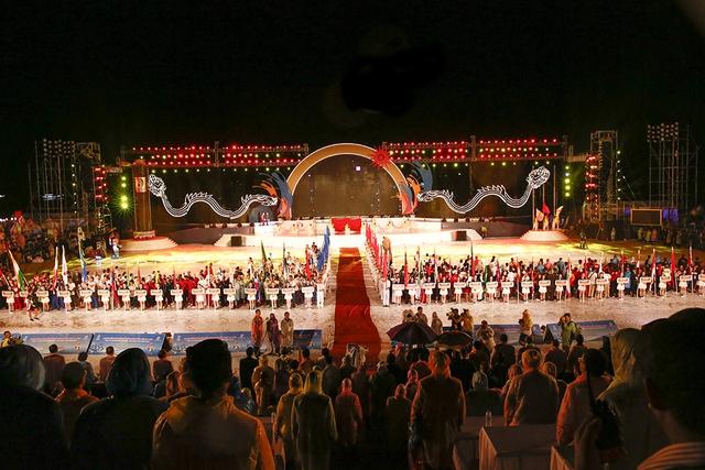 Ngọn đuốc ABG 5 rực sáng trên bãi biển Đà Nẵng - Ảnh 5.