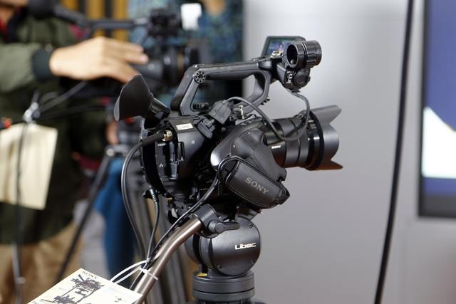 Sony HXR-NX5R - Giải pháp mới cho sản xuất các chương trình gọn nhẹ - Ảnh 6.