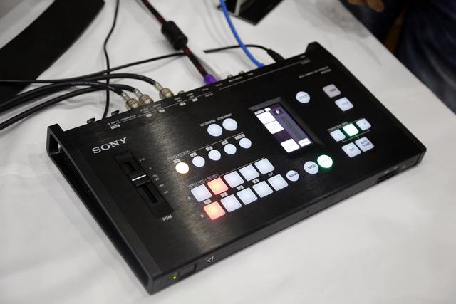 Sony HXR-NX5R - Giải pháp mới cho sản xuất các chương trình gọn nhẹ - Ảnh 4.
