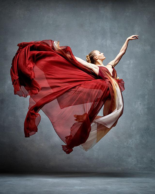 Nghẹt thở trước loạt ảnh đẹp như tranh của các vũ công ballet - Ảnh 11.