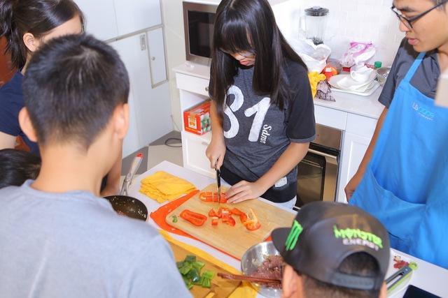 Vua đầu bếp nhí: Thí sinh gây choáng với khả năng hiểu biết ẩm thực - Ảnh 15.