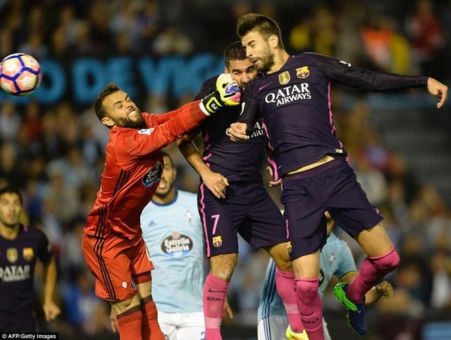 Celta Vigo 4-3 Barcelona: Barca thua sốc Celta Vigo - Ảnh 3.