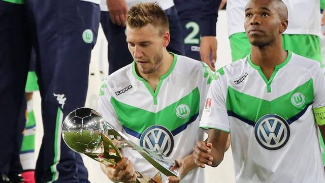 """""""Thánh"""" Bendtner trở lại Anh đối đầu… Arsenal - Ảnh 1."""