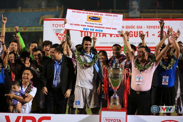 Ảnh: Hà Nội T&T vô địch V.League 2016 sau cuộc đua nghẹt thở với Hải Phòng - Ảnh 10.