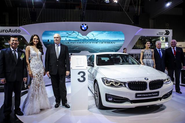 Dàn siêu xe đẳng cấp quy tụ tại Triển lãm ô tô quốc tế Việt Nam 2016 - Ảnh 14.