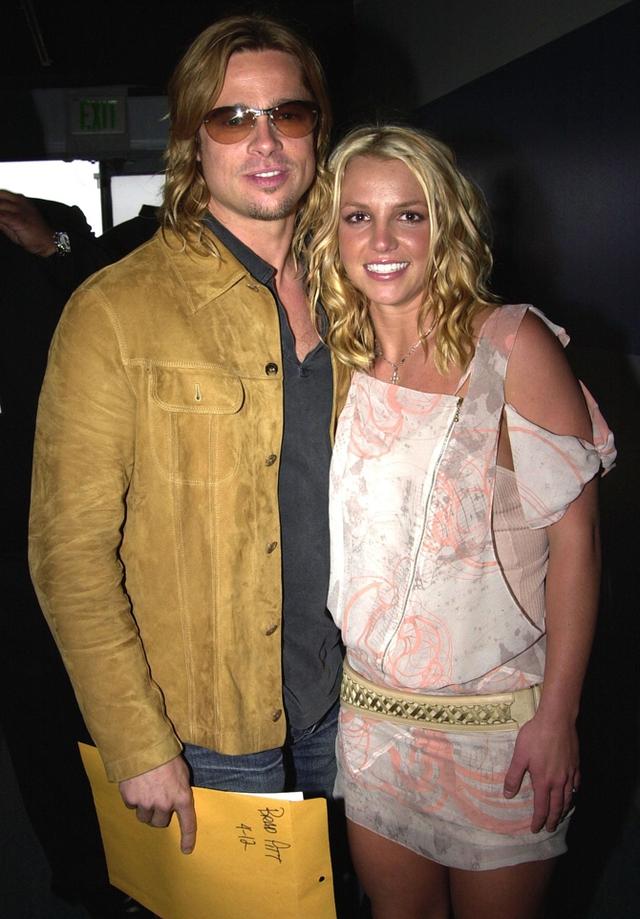 Britney Spears háo hức khi Brad Pitt ly hôn - Ảnh 1.