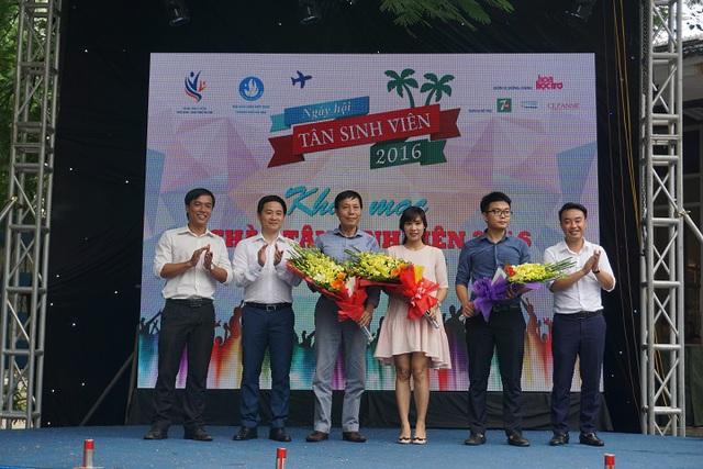 Hàng ngàn bạn trẻ tham gia Ngày hội Tân sinh viên 2016 - Ảnh 1.