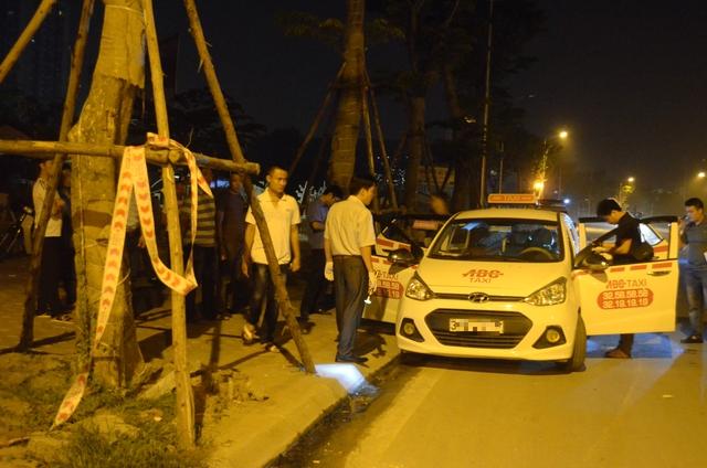 Hà Nội: Bắt tại trận tên cướp dùng dao cứa cổ tài xế taxi trong đêm - Ảnh 11.