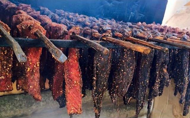 Cách làm thịt bò khô gác bếp đặc sản Tây Bắc - Ảnh 8.