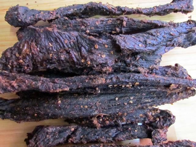 Cách làm thịt bò khô gác bếp đặc sản Tây Bắc - Ảnh 6.