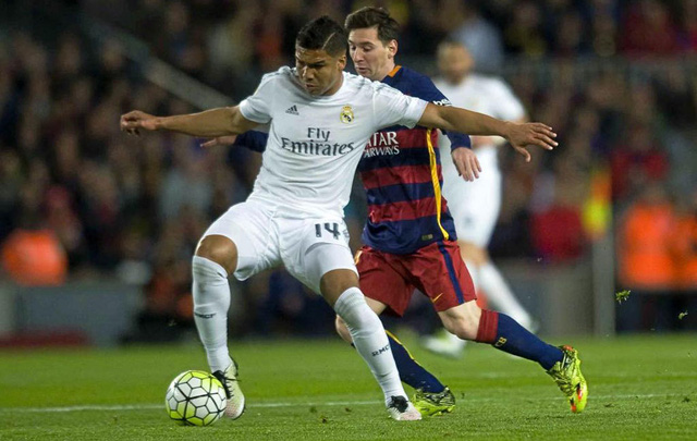 """Real Madrid mất """"quái thú"""" giữa sân vì gãy chân - Ảnh 1."""