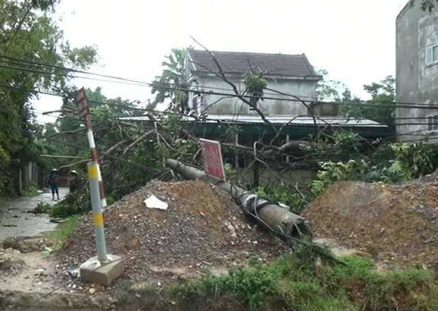 Mưa to, ngập úng gây thiệt hại nặng tại các tỉnh miền Trung - Ảnh 2.