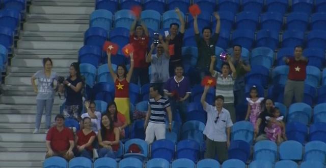 Văn Hậu lập siêu phẩm, U19 Việt Nam thắng trận ra quân - Ảnh 4.