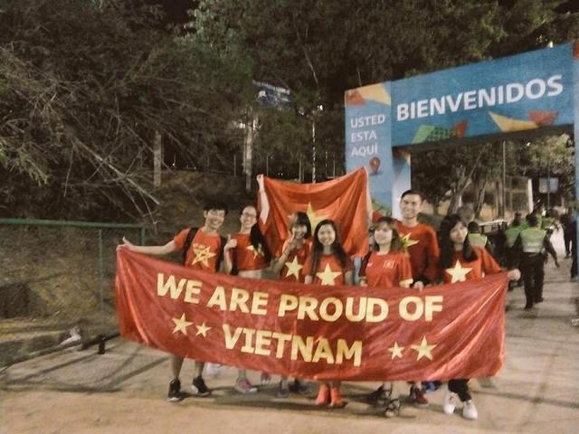 Thất bại trước ĐT Nga, Futsal Việt Nam vẫn ghi điểm trong mắt CĐV - Ảnh 1.