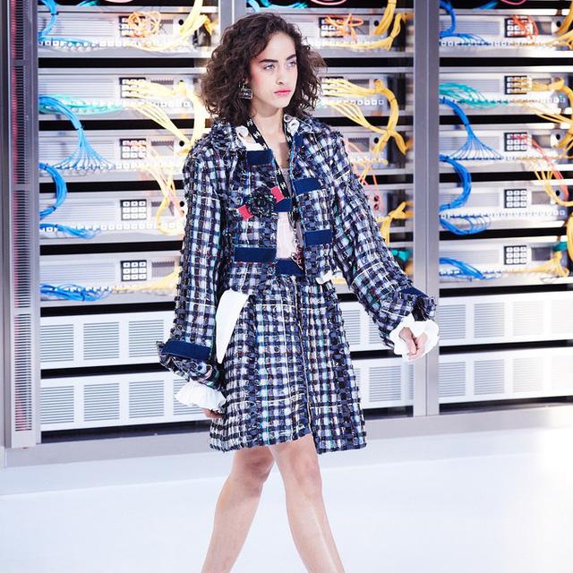 Chanel trình làng BST mới nổi bật mang sắc màu Star Wars - Ảnh 4.