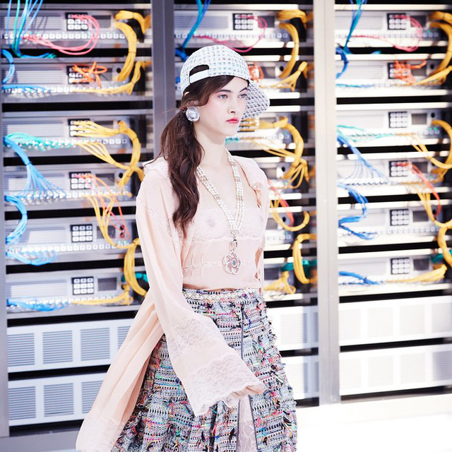 Chanel trình làng BST mới nổi bật mang sắc màu Star Wars - Ảnh 7.