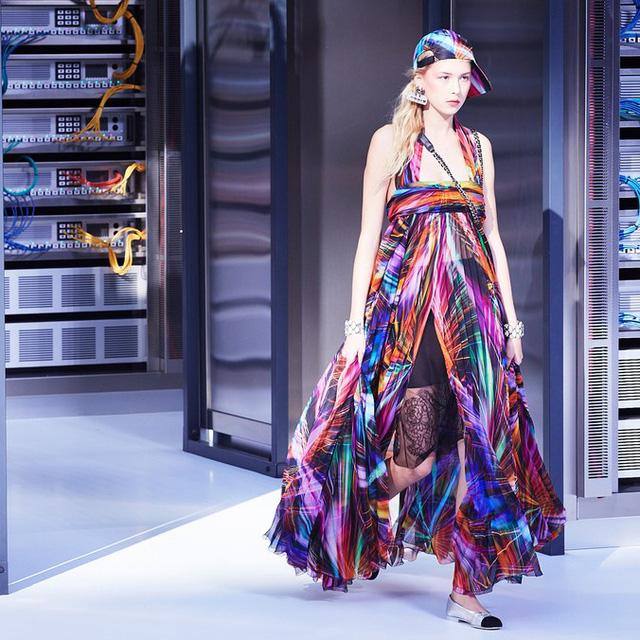 Chanel trình làng BST mới nổi bật mang sắc màu Star Wars - Ảnh 15.
