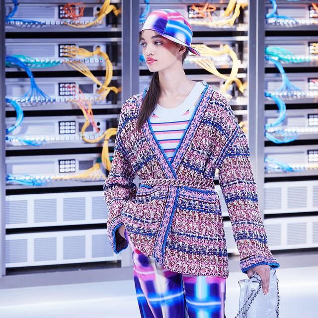Chanel trình làng BST mới nổi bật mang sắc màu Star Wars - Ảnh 13.