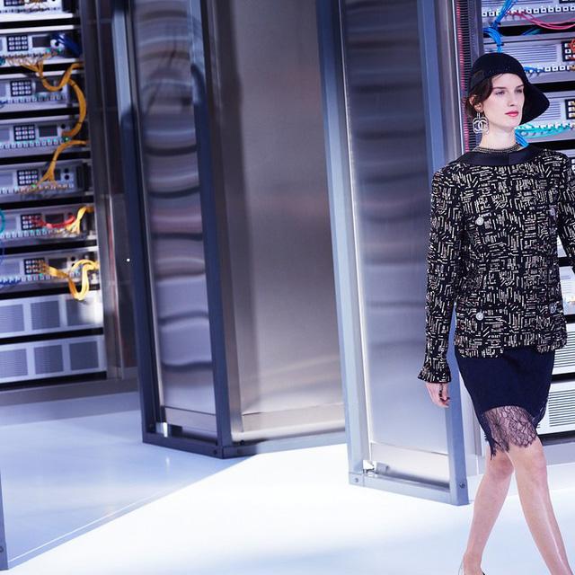 Chanel trình làng BST mới nổi bật mang sắc màu Star Wars - Ảnh 14.