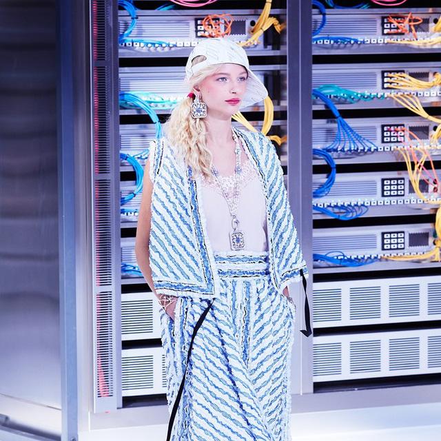 Chanel trình làng BST mới nổi bật mang sắc màu Star Wars - Ảnh 11.