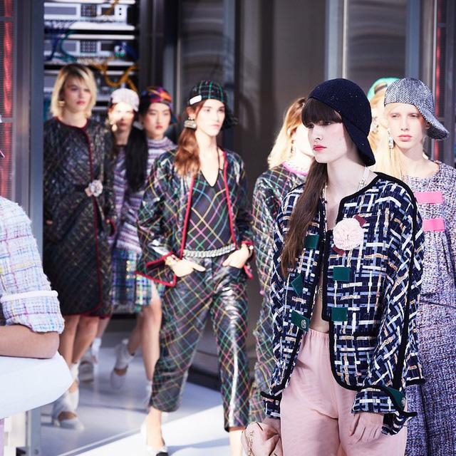 Chanel trình làng BST mới nổi bật mang sắc màu Star Wars - Ảnh 16.