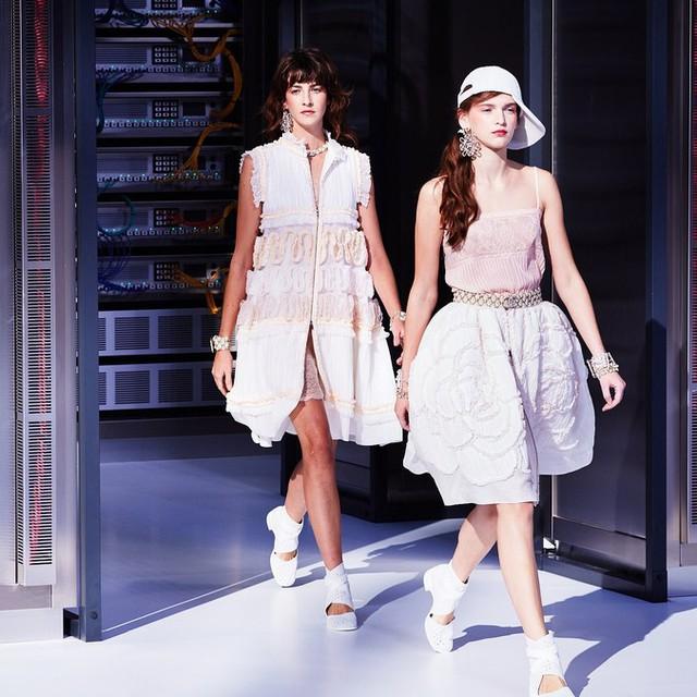 Chanel trình làng BST mới nổi bật mang sắc màu Star Wars - Ảnh 12.