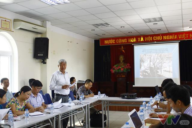 Dịch chuyển hàng cây xanh phố Kim Mã để xây đường sắt Nhổn – ga Hà Nội - Ảnh 1.