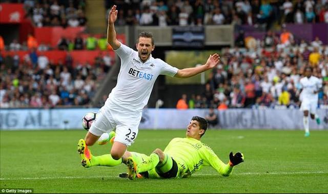 Swansea 2-2 Chelsea: Costa lập cú đúp, Chelsea thoát hiểm tại Liberty - Ảnh 2.
