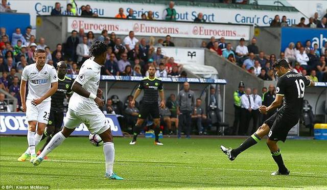 Swansea 2-2 Chelsea: Costa lập cú đúp, Chelsea thoát hiểm tại Liberty - Ảnh 1.