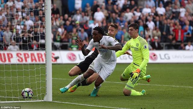 Swansea 2-2 Chelsea: Costa lập cú đúp, Chelsea thoát hiểm tại Liberty - Ảnh 3.