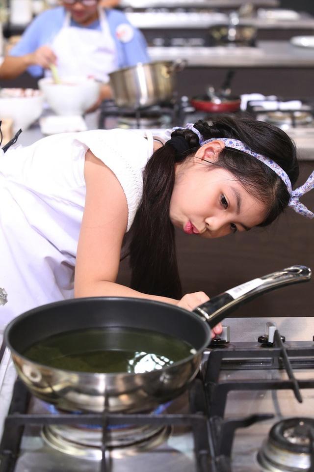 Vua đầu bếp nhí: Công chúa thỏ khiến giám khảo Tịnh Hải mê mệt - Ảnh 2.