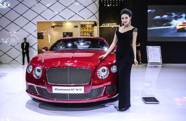 Dàn siêu xe đẳng cấp quy tụ tại Triển lãm ô tô quốc tế Việt Nam 2016 - Ảnh 1.