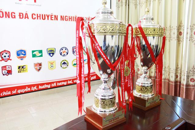 VPF chuẩn bị các phương án trao cúp vô địch V.League - Ảnh 1.