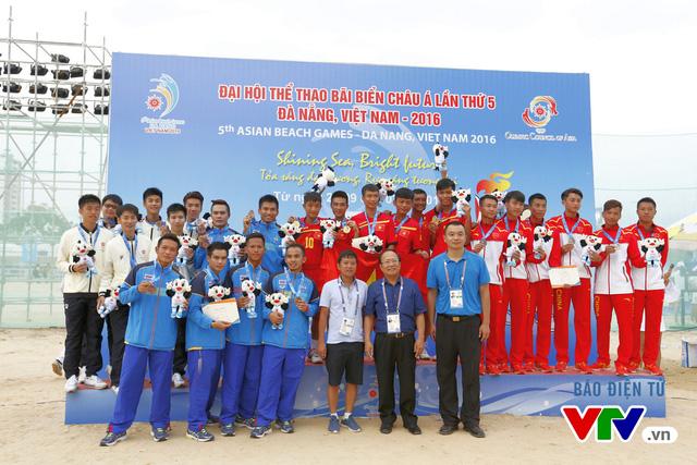 Giành 2 HCV đồng đội, ĐT đá cầu Việt Nam thống trị tuyệt đối tại ABG 5 - Ảnh 4.