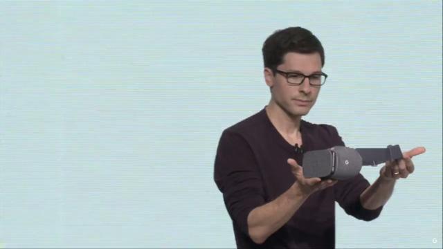 Google Daydream View có gì khác với thiết bị hỗ trợ xem thực tế ảo cũ Cardboard? - Ảnh 1.