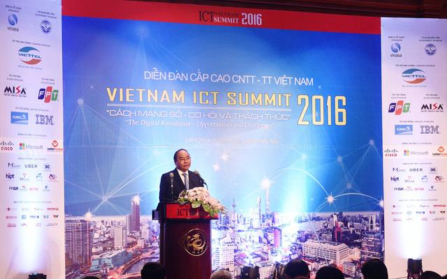 Diễn đàn Cấp cao CNTT-TT Việt Nam 2016: Cần thay đổi tư duy quản trị phù hợp với xu hướng cách mạng công nghiệp lần thứ 4 - Ảnh 1.