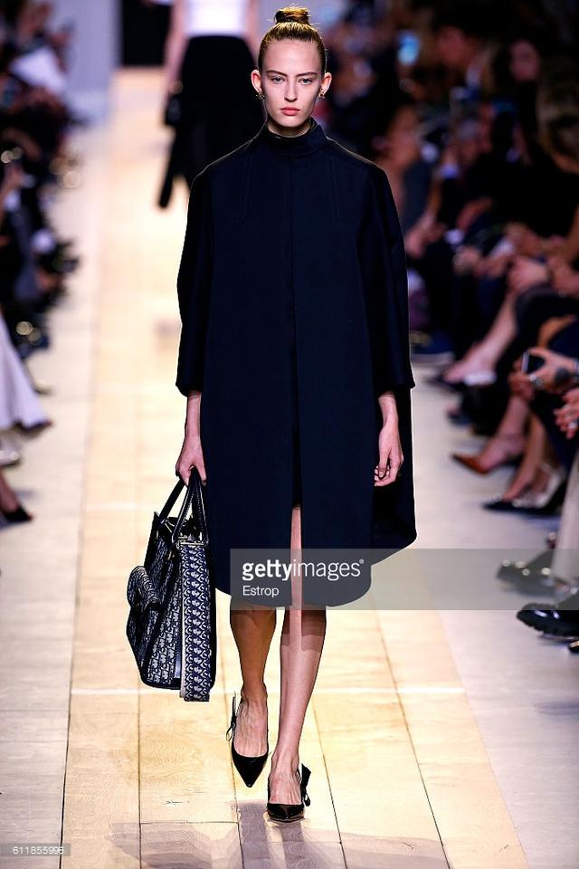 Maria Chiuri -  Nữ thiết kế chính đầu tiên tại Dior trong 7 thập niên - Ảnh 8.