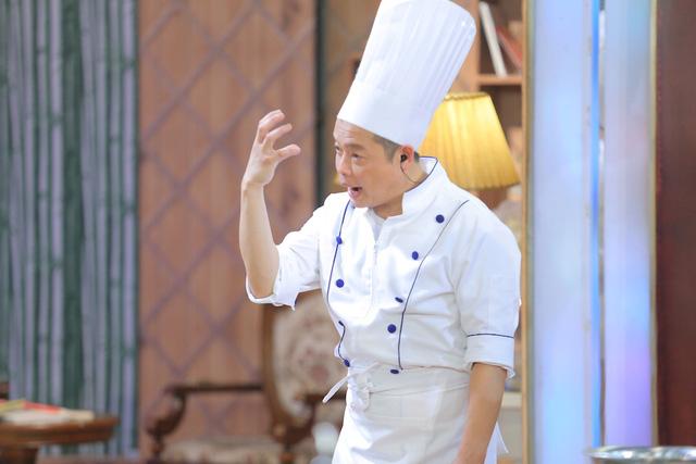Vua đầu bếp nhí: Giám khảo hoảng loạn không kém thí sinh - Ảnh 10.