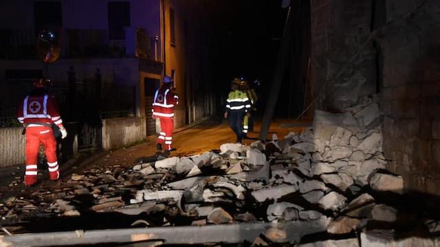 Hai trận động đất mạnh liên tiếp tại Italy - Ảnh 1.