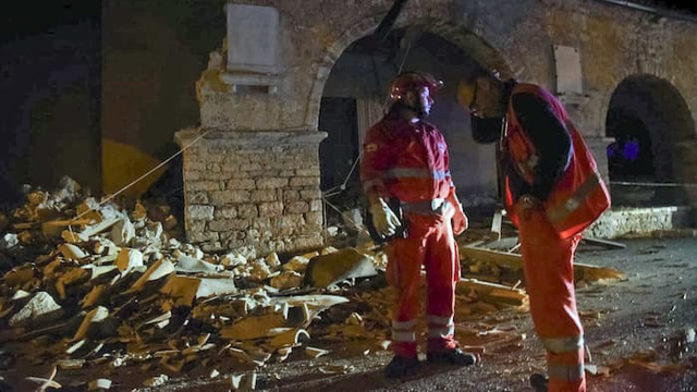 Hai trận động đất mạnh liên tiếp tại Italy - Ảnh 2.