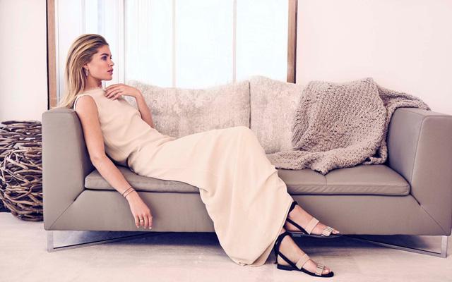 Chân dài Victorias Secret nổi bật với vẻ đẹp sang trọng - Ảnh 3.