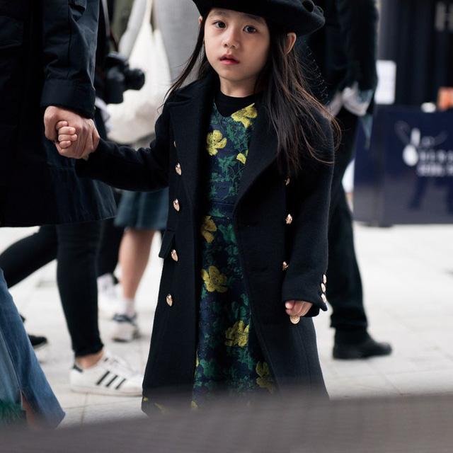 Tuần lễ thời trang Hàn Quốc: Trẻ con chất lừ không thua gì người lớn! - Ảnh 9.