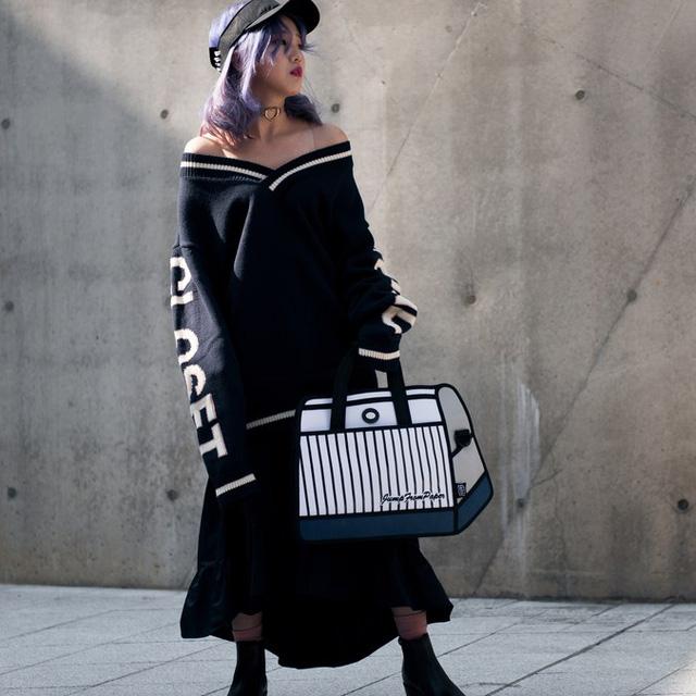 Màu đen cá tính phủ sóng thời trang đường phố Hàn Quốc - Ảnh 10.