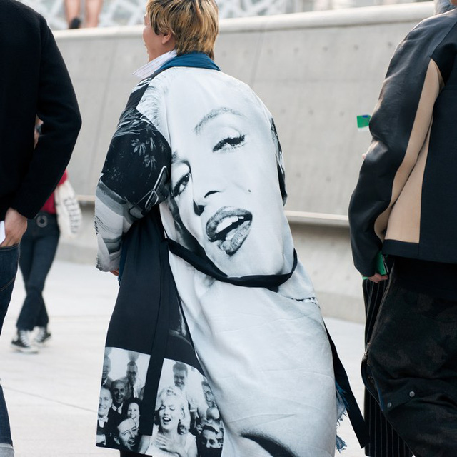 Màu đen cá tính phủ sóng thời trang đường phố Hàn Quốc - Ảnh 25.