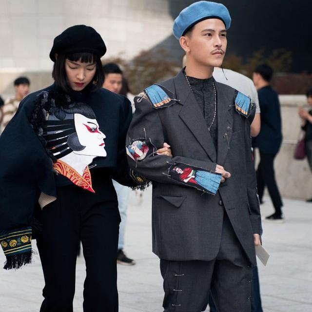 Màu đen cá tính phủ sóng thời trang đường phố Hàn Quốc - Ảnh 31.