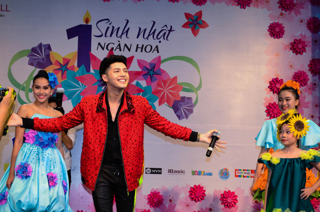 Cháy cùng Noo Phước Thịnh tại Sinh nhật ngàn hoa AEON MALL Long Biên - Ảnh 13.