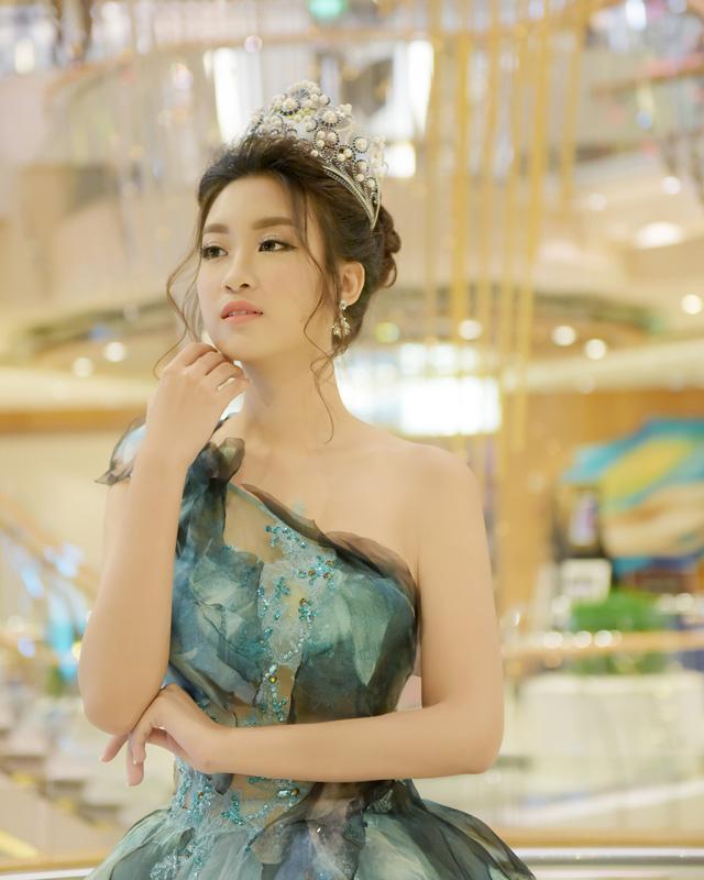 Hoa hậu Mỹ Linh tỏa sáng với vẻ đẹp lộng lẫy ở Đài Loan - Ảnh 6.